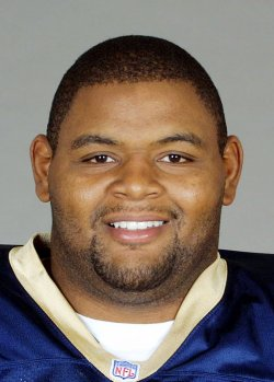 ST. LOUIS RAMS ORLANDO PACE SIGNS SEVEN-YEAR CONTRACT
