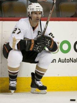 Ducks Captain Niedermayer Stretches in Denver