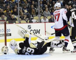 Capitals Mike Ribeiro scores in Pittsburgh