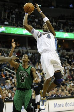 Antawn Jamison Scores in Washington