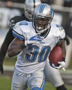 Detroit Lions beat the Raiders 28-27 in Oakland, California