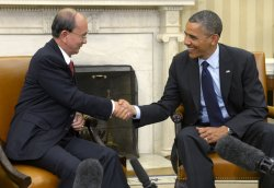 President Obama meets with with Myanmar president Thein Sein in Washington