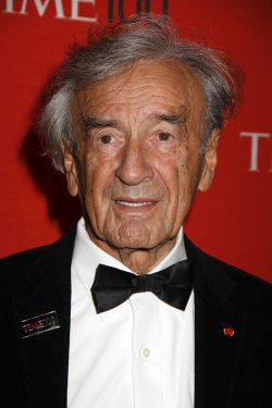 Elie Wiesel arrives for the Time 100 Gala in New York