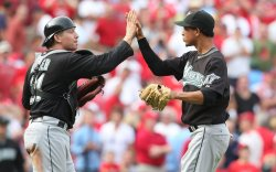 Florida Marlins defeat St. Louis Cardinals 5-2