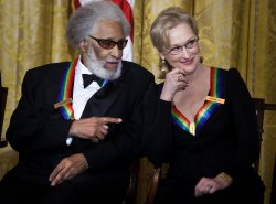 President Obama honors 2011 Kennedy Center Honors recipients in Washington