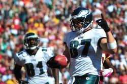 Philadelphia Eagles' Brent Celek scores in Landover, Maryland
