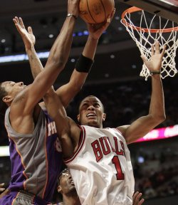 Suns Frye gabs rebound over Bulls Rose in Chicago