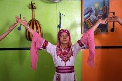 Palestinian Girls Learn Music in Gaza