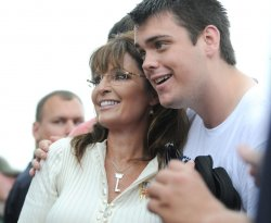 Sarah Palin speaks at Tea Party Rally in Iowa
