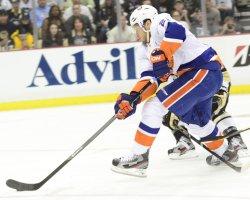 New York Islanders Kyle Okposo in Pittsburgh