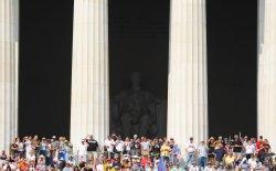 "Conservatives descend on Washington for Glenn Beck ""Restoring Honor"" rally"