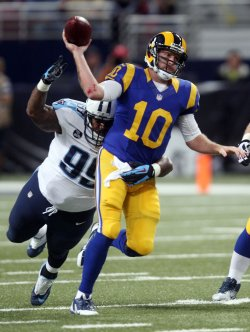 Tennessee Titans vs St. Louis Rams