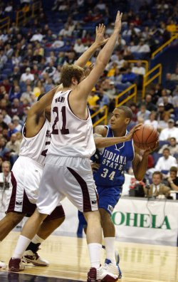 MISSOURI VALLEY CONFERENCE TOURNAMENT INDIANDA STATE UNIVERSITY SYCAMORES VS SOUTHERN ILLINOIS UNIVERSITY SALUKIS