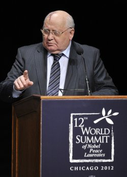 Gorbachev Speaks at Peace Summit in Chicago