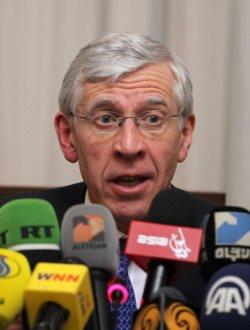 Former British Foreign Secretary Jack Straw held press conference in Tehran,Iran