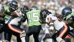 Bears sacks Seahawks quarterback.