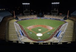 Cubs take 3-2 series lead of the NLCS over the Dodgers in Los Angeles