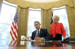 Obama signs Reducing Over Classification Bill in Washington