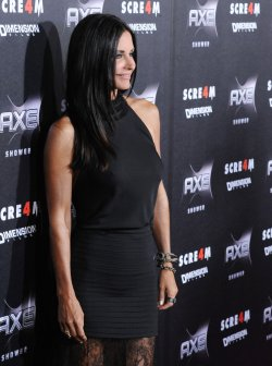 "Courteney Cox arrives at the ""Scream 4"" premiere in Los Angeles"