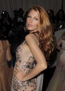 Blake Lively arrives at the Costume Institute Gala Benefit in New York