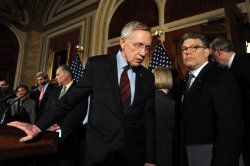 Democratic Senators discuss budget battle in Washington