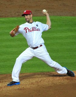 Cliff Lee pitches in the 2011 All-Star game in Phoenix