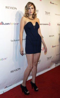 Leelee Sobieski arrives for the Elton John AIDS Foundation Gala in New York