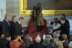 Helen Keller statue unveiled at U.S. Capitol