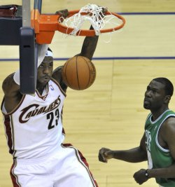 Cavaliers James slam dunk against Celtics in Cleveland