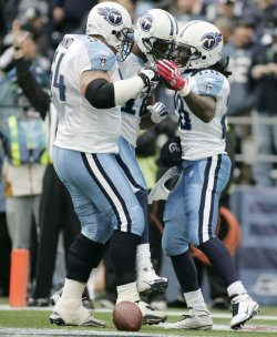 Titans Chris Johnson celebrates in Seattle