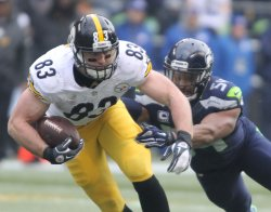 Steelers Heath Miller catches a pass against Seahawks