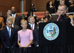Daley pounds gavel at Emanuel inauguration in Chicago