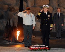 Chairman of the U.S. Joint Chiefs of Staff, Admiral Michael Mullen and Israeli IDF Chief of Staff, Lt. General Gabi Ashkenazi salute at the Yad Vashem Holocaust Museum in Jerusalem