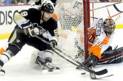 Flayers Defeat Penguins 8-5 in Game 2 in Pittsburgh