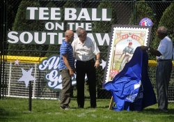 Bush host White House Tee Ball game in Washington