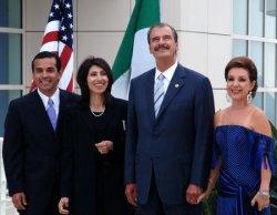 MAYOR VILLARAIGOSA AND PRESIDENT FOX MEET IN LOS ANGELES