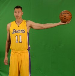 Yi Jianlian participates in Lakers media day