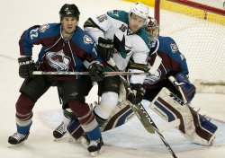 Avalanche Hannan and Anderson Squeeze Sharks Heatley in Denver