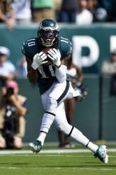 Eagles wide receiver DeSean Jackson catches the ball for a touchdown