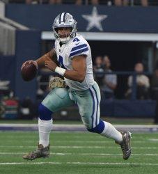Dallas Cowboys Dak Prescott scrambles against the Kansas City Chiefs