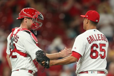 St. Louis Cardinals defeat Milwaukee Brewers