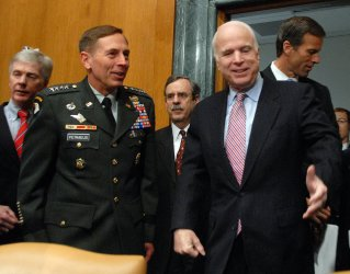 Senate hears update of Iraq war situation in Washington
