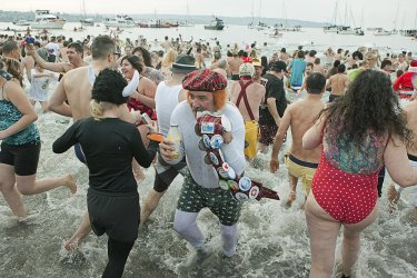 Thousands take the plunge at 93rd annual New Years Day Polar Bear Swim in Vancouver