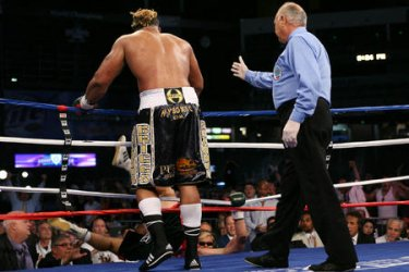 BRIGGS SCORES DRAMATIC TKO VICTORY IN WBO HEAVYWEIGHT TITLE FIGHT