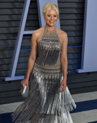 Elizabeth Banks attends the Vanity Fair Oscar Party in Beverly Hills