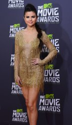 Selena Gomez arrives at 2013 MTV Movie Awards in Culver City, California