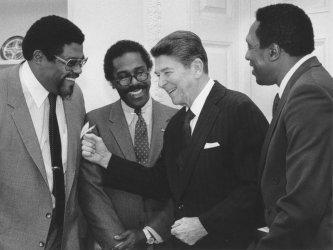 President Reagan Meets in Support of Volunteer School Prayer