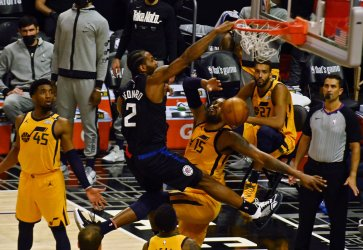 Clippers Even Series With Game 4 Win, Puncuated by Kawhi Leonard's Dunk