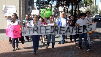 Hundreds protest President Obama at fundraiser in Oakland, California