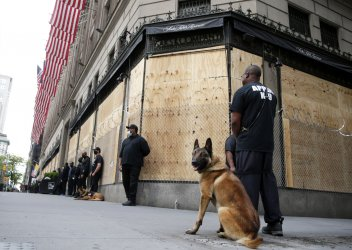 Looting Continues with George Floyd Death Protests In New York